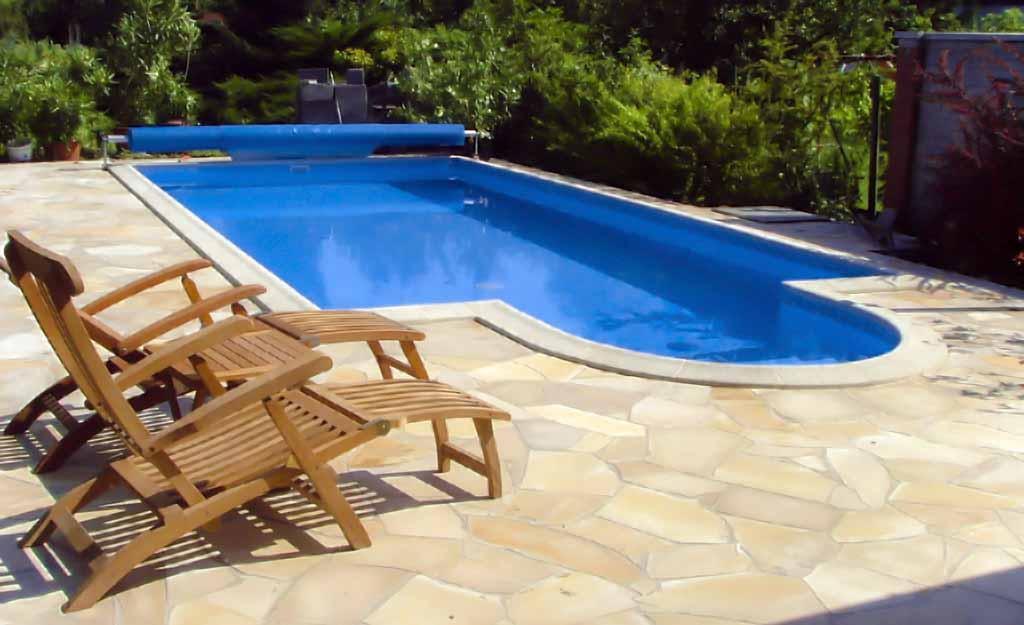 Úszómedence - Fotó: www.lordsofpool.hu